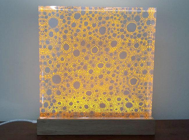sensation poétique d'une indicible beauté des LED sur plexiglas